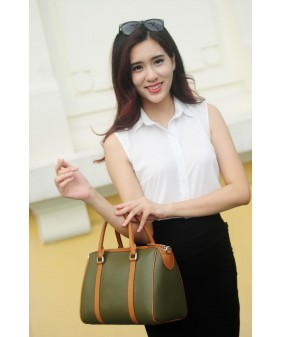 CARRY Large duffle bag - In Natural Milled Leather - Oliu vs Brown