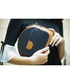SWEET Crossbody - In Natural Milled Leather - Blue Navy vs Brown